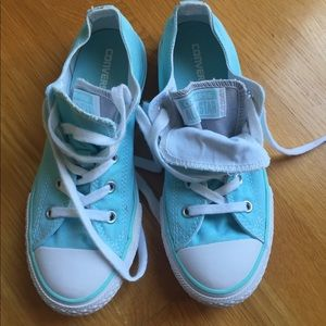 Converse sneakers Youth size 3 Teal color